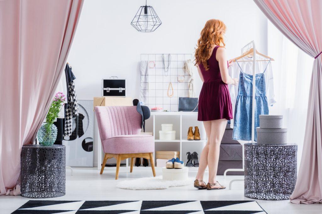 Sukienki rozkloszowane niezastąpione w garderobie